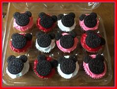 Mickey Mouse cupcakes by Cindy, Triad Area, NC, www.birthdaycakes4free.com