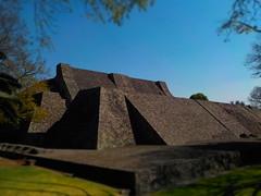 Pirámide de Tenayuca (Tlalnepantla, México). (Xic Eseyosoyese (Juan Antonio)) Tags: pirámide de tenayuca tlalnepantla estado méxico sitio la cueva grande tal vez en referencia que el lugar residía rey xólotl ubicaciónal pie del cerro tenayo sierra guadalupe chichimeca posee similares rasgos arquitectónicos otras pirámides mexicas cultura azteca está considerada como uno los grandes antecedentes arquitectura este pueblo mexicano es una obra se invirtieron muchos años su construcción concretamente edificó aproximadamente entre 1300 y 1500 mis ancestros