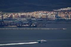 Algeciras (José Rambaud) Tags: algeciras bahiadealgeciras straitofgibraltar estrechodegibraltar bahia bay sea mar mediterraneo mediterranean puerto port harbour ship barco seascape landscape paisaje paisagem paysage