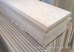Rivestimento per pilastri in travertino classico stuccato