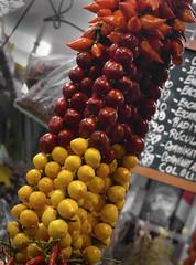 Chiles (Trix: Pierre qui roule .......) Tags: barcelona chiles mercado boqueria