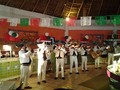 Royal Decameron Complex (appaIoosa) Tags: ©appaloosa bucerías nayarit buceríasnayarit royaldecameroncomplex mariachis
