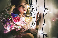 IMG_0512 (Yi-Hong Wu) Tags: 女孩 女生 女子 女人 女性 女 人 貓 寵物 互動 活動 清新 自然 美麗 動人 可愛 寵物攝影 寫真 人像 微光 唯美 夜 黑色 隱密'