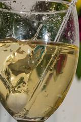 Splash (HMM and Happy Anniversary !) (ralfkai41) Tags: makro icecube macro macromondays einwürfel feiern spas cocktail party getränkr happy10vears