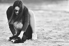 The Girl & The Dog (Iago López Losada) Tags: girl nikon nikond750 nn naturaleza invierno casuality clouds cc child casual catch magic magia manual moment mujer moda dreams d750 dog beauty beach brillante belleza byn baixas body monochrome blancoynegro