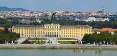Down to Schönbrunn (afagen) Tags: vienna austria wien schönbrunnpalace schlossschönbrunn schönbrunn gloriette favorite