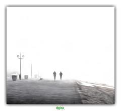 ERASE ! ERASE ! ERASE ! (régisa) Tags: fog brouillard brume leffrinckoucke digue malo malolesbains jogger jogging