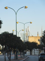 Street lamps, highway median in Meknes, Morocco (Paul McClure DC) Tags: meknes meknès morocco almaghrib jan2017 architecture modern