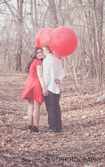 love (designsHOBBYPHOTOGRAPHY) Tags: love valentine valentinesday young couple portrait people red balloon woods balloons