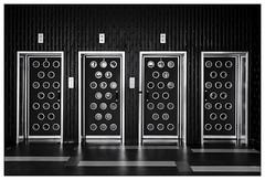 Aufzugtüren – Lift doors (frodul) Tags: leibnizuniversität hannover aufzugstüren türen architektur gestaltung verwaltungsgebäude grafisch symmetrie kurven kreise linien monochrom sw bw einfarbig niedersachsen deutschland door lift