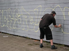 "zomerspelen 2013 Graffiti workshop • <a style=""font-size:0.8em;"" href=""http://www.flickr.com/photos/125345099@N08/14220594700/"" target=""_blank"">View on Flickr</a>"