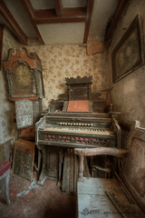 Grandfather time (Sshhhh...) Tags: abandoned clock time decay neglected grandfather times derelict harpsicord bygone sshhhh