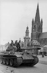 Sd.Kfz. 171 Pz.Kpfw. (Panzerkampfwagen) Panther V Ausf. G (Ausführung G) mit 7.5-cm-KwK 42 L-70