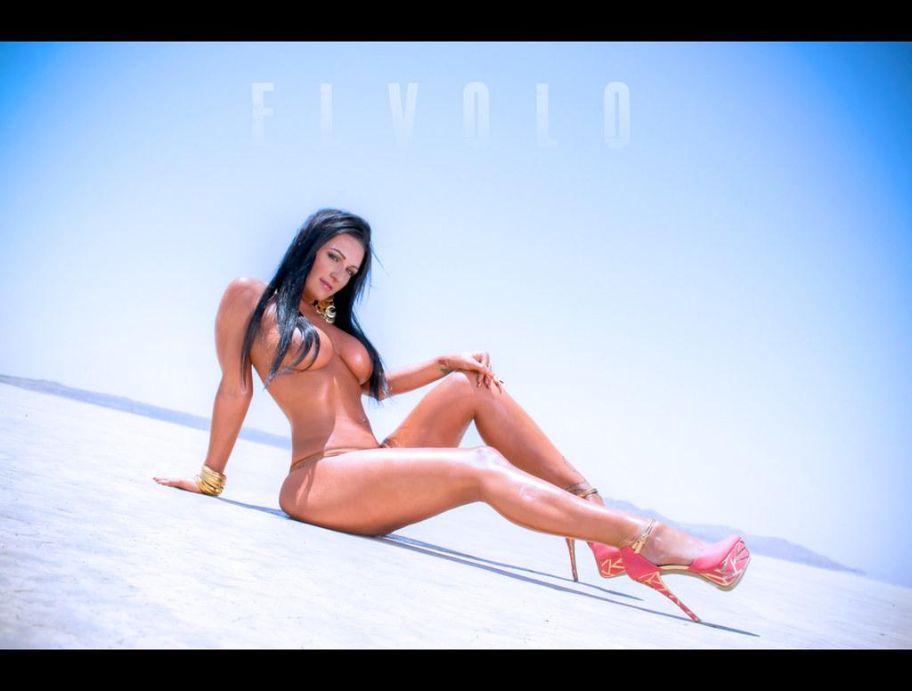 Fantastic Egyptian bikini photos pictures