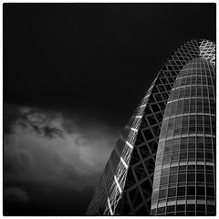 Mode Gakuen Cocoon tower @Shinjuku, Tokyo. (Masahiko Kuroki (a.k.a miyabean)) Tags: bw architecture square noiretblanc explore 新宿 モード学園コクーンタワー fujixe1 fujifilmsuperebcxf2841855mm
