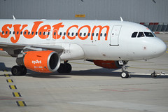 NEW AIRLINE?? (Wezgulf3) Tags: paris de charles gaulle easyjet cdg a319 lfpg