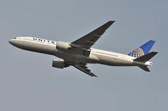 UA0935 LHR-LAX (A380spotter) Tags: takeoff departure climbout gearinmotion gim retraction strobe beacon belly boeing 777 200er n229ua ship2029 united unitedairlinesinc ual ua ua0935 lhrlax runway27r 27r london heathrow egll lhr