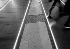 Passerella di Porta Genova, prospettive e movimento #2 (MarcoFlicker) Tags: passerella portagenova fujixe1 fujinon18f2