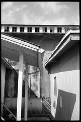 Closed. (FreezerOfPhotons) Tags: cosinavoigtlanderbessar3m r3m nokton14sc rangefinder singlecoated 40mm ultrafineextreme100 ultrafine xtol freshfilm ishootfreshfilm outofbusiness closed empty abandoned brunners florida shortfocaldepth depthoffield