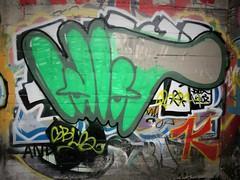 Idiot / Bruxelles 1600 - 1 apr 2017 (Ferdinand 'Ferre' Feys) Tags: bxl brussels bruxelles brussel belgium belgique belgië streetart artdelarue graffitiart graffiti graff urbanart urbanarte arteurbano idio idiot