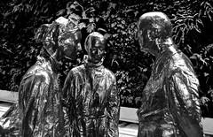 San Francisco Museum of  Modern Art, SFMOMA, statues, green wall, (David McSpadden) Tags: greenwall sanfranciscomuseumofmodernart sfmoma statues