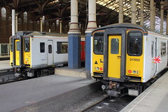 317504 + 317650 (ANDY'S UK TRANSPORT PAGE) Tags: trains londonliverpoolstreet abelliogreateranglia class317 aga
