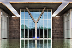 Wasserschloss (GER.LA - PHOTO WORKS) Tags: museum modern museales mirror wasserschloss art architecture architektur abstract texas fortworth