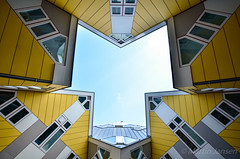 20170402_13212090_DSC0180 (Travel4Two) Tags: 5000k adl4 blaak c3 oudehaven rotterdam s0 cubehouse hexagon kubuswoning zuidholland nederland nl