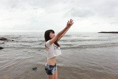 IMG_2977 (Jackk Miao) Tags: summer portrait people woman beach girl beauty female canon hair movie asian model asia outdoor chinese story miao 故事 taiwanese 人像 三芝 電影 外拍 写真 夏天 jackk 海邊 人像攝影 淺水灣 portraitphotography 寫真 しゃしん 550d 夏至 故事性 canoneos550d eos550d rebelt2i kissx4 digitalrebelt2i canoneoskissx4 jackkmiao jackmiao eoskissdigitalx4