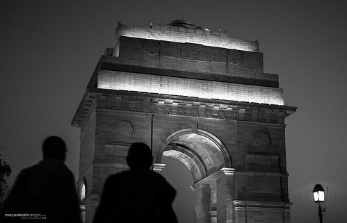 A day of me alone at India Gate