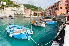 Vernazza Cinque Terre (Loc Lagarde) Tags: ocean sea italy nature port landscape harbor boat riviera italia village harbour rope unesco terre vernazza italie cinque