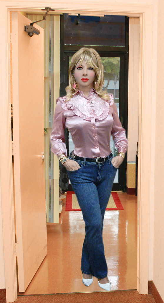 trannies-in-tight-jeans