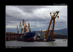 Puerto de Bilbao. (Javier Madrigal11) Tags: sea landscape mar paisaje cantábrico jmadrigal