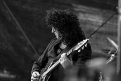 QUEEN II - Brian | Wolf Kuntze (xfoTOkex) Tags: city summer music berlin rock concert nikon wolf d brian band august queen cover ii 10th 800 coverband 2014 breitscheidplatz queenii kuntze