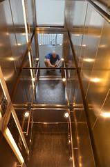 Fahrstuhl (Pietmio) Tags: germany deutschland nikon lift elevator bremen spiegelung duitsland ascenseur parkhaus parkeergarage nikond5100