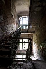 Beauty & Decay (think4d) Tags: old broken alt decay fenster debris ruine staircase railing treppenhaus gemuer mauerwerk beelitzerheilsttten kaputtewnde