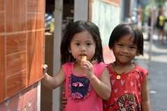 pretty girls (the foreign photographer - ) Tags: girls cute portraits thailand nikon pretty bangkok khlong bangkhen thanon d3200 aug172014nikon