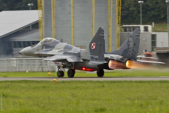 MiG Takin' off (Sbastien Locatelli) Tags: plane canon eos is force russia swiss aviation military air 14 poland polska meeting polish 300mm airshow 7d l 100 usm 29 russian ans ef f4 forces avion mig ussr payerne mikoyan urss arienne mapo 2014 arien suisses fulcurm gourevich sbastienlocatelli poogne