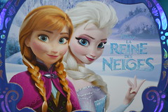 Book La Reine des Neiges (MissLilieDolly) Tags: winter anna cold de book la olaf frozen princess hiver hans disney des collection marshmallow dolly miss sven reine livre froid elsa lilie duc princesse neiges kristoff guimauve oaken weselton missliliedolly