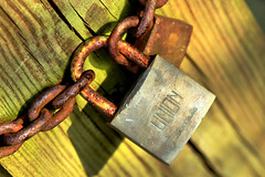 Guarantee (Aozma Qureshi) Tags: chains rust security padlock linion yahoo:yourpictures=yourbest2014image