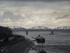 Most kolejowy w Toruniu z mostu Piłsudskiego
