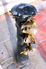 lock post | spinola bay | malta (John FotoHouse) Tags: malta 2017 dolan fuji details flickr fujifilmx100s johnfotohouse johndolan leedsflickrgroup color colour copyrightjdolan locks padlocks spinolabay