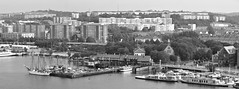 Klippan seen from Älvsborgsbron, Gothenburg, 2011 (biketommy999) Tags: biketommy biketommy999 sverige sweden klippan göteborg blackandwhite svartvitt panorama utsiktsplats viewpoint älvsborgsbron bro bridge 2011