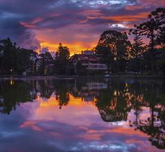 Sunset at Joaquina Bier Lake - Gramado RS Brazil (Felipe Valduga) Tags: gramado serragaãºcha x100 fuji fujifilm reflection riograndedosul sunset