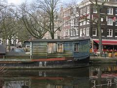 Houseboat (streamer020nl) Tags: amsterdam 2017 070317 7march17 holland nederland paysbas niederlande centrum binnenstad city houseboat woonboot prinsengracht amstelveld