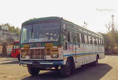 Aurangabad - Akola (yogeshyp) Tags: msrtc maharashtrastatetransport msrtcasiadbus msrtchirkanibus akola2depotbus aurangabadakolastbus