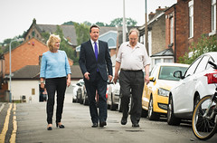 PM visits Nottinghamshire to discuss road repair (The Prime Minister's Office) Tags: pm nato primeminister potholes downingstreet victoriastreet pressconference no10 davidcameron sergeantpaulshawlbipparmy rumbletonscafe