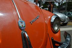 Logo Volkswagen (The Art of Sainz) Tags: blue red vw volkswagen venezuela beetle caracas 1998 motor 1970 1980 escarabajo 1990 rin ghia empi 1960 westfalia karmann vocho 1600cc 1500cc 1300cc
