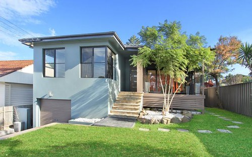 4 Shaftesbury Avenue, West Wollongong NSW 2500