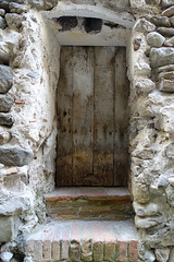 BESAL Y SUS TEXTURAS (beagle34) Tags: detalle puerta porta catalunya garrotxa detall besal sonyrx100m3